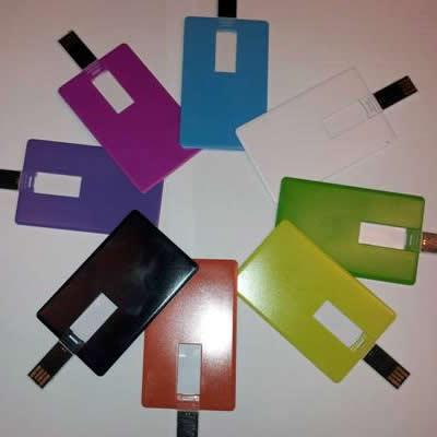 Handig: USB geheugen in de vorm van een credit card
