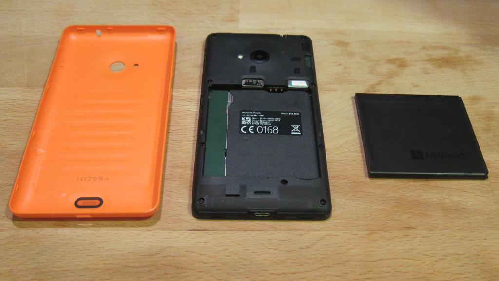 Microsoft Lumia 535 achterkant en batterij