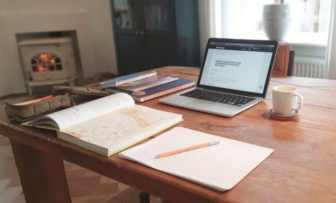 Waarom thuiswerken ook in de toekomst het 'normaal' moet worden
